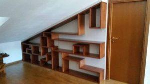 scaffalatura sotto scala